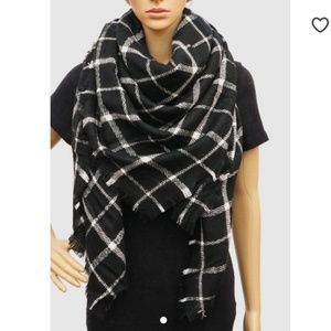 Accessories - Black and White Plaited Blanket Scarf